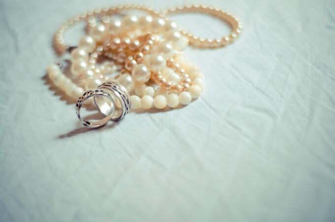 結婚指輪はネット通販とお店どちらで買うべきなの?